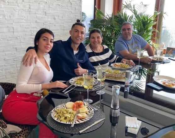 Madre de Cristiano Ronaldo: bien recuperada Gracias a mi hijo y a todos